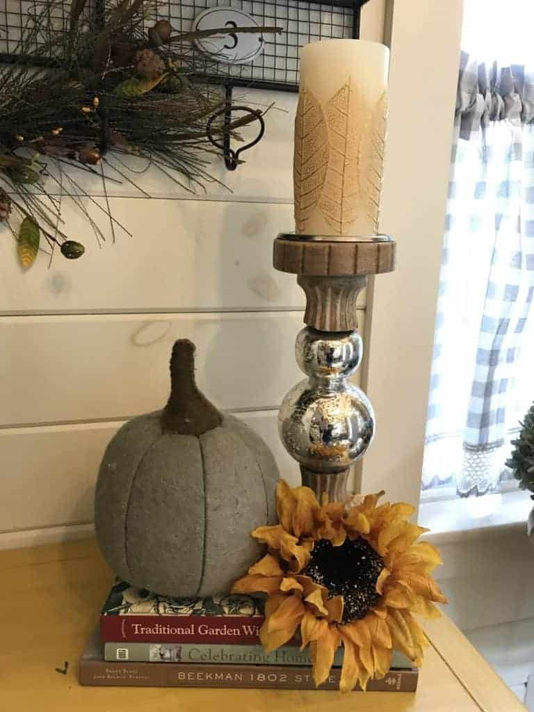 fall decorating tablescape