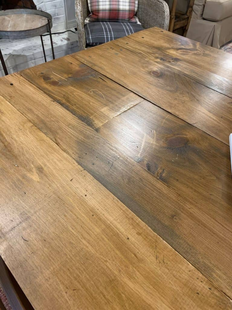 How to finish a pine farmhouse table.  Close up of the table top